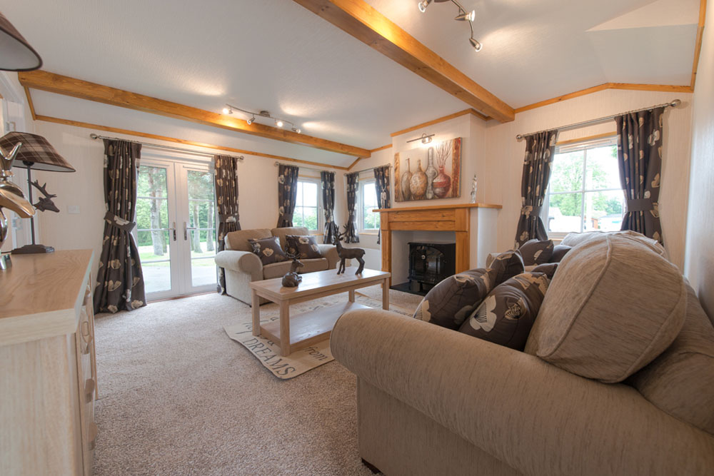 Fully Furnished Country Cottage Style Park Home for sale in Cambridgeshire