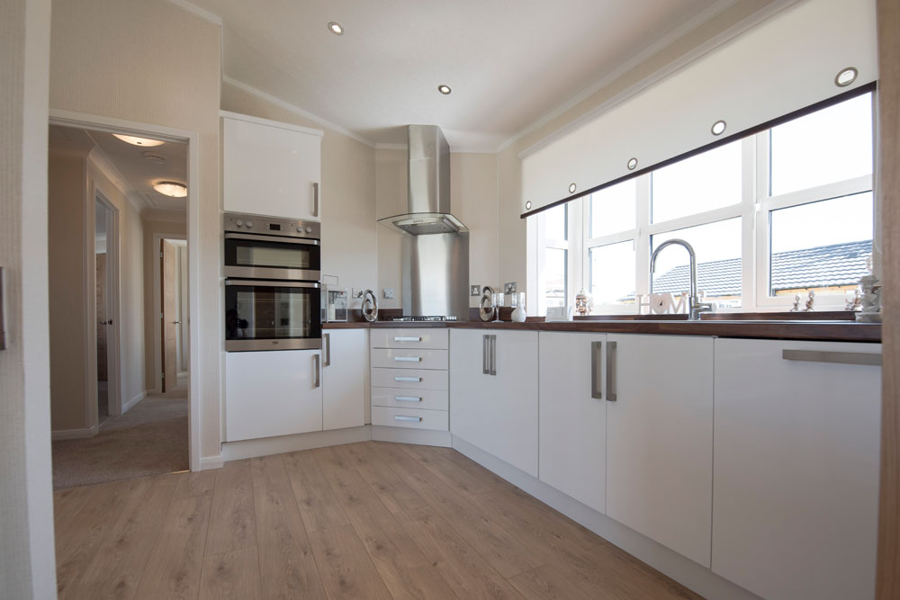 The kitchen of 5 The Green Woodlands Park Home